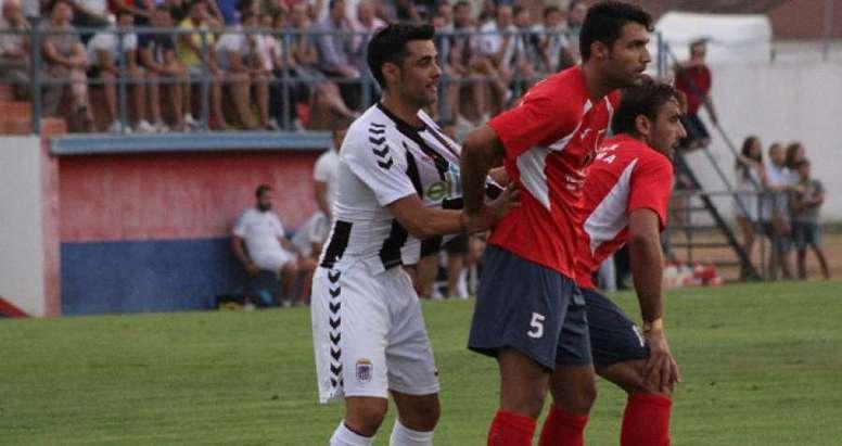 Germán rojas cambia el CD Badajoz por el CD San Benito, que se hace con un central con mucha experiencia y veteranía. CDBadajoz