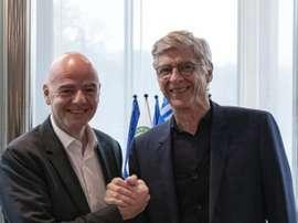 FIFA confirma contrato assinado com Wenger. Twitter/FIFA