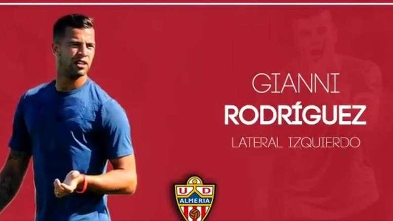 Rodríguez ya es parte del Almería. Twitter/U_D_Almeria