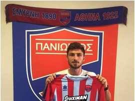 El defensor se comprometió por tres temporadas. PanioniosFC