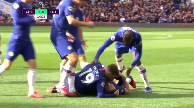 Giroud abrió la lata ante el Tottenham. Captura/DAZN