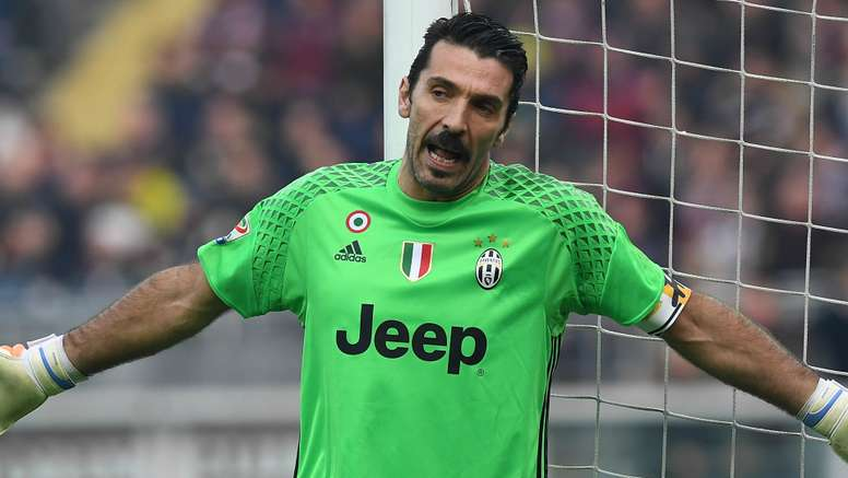 Buffon believes that Roma will challenge Juve for the title. Goal
