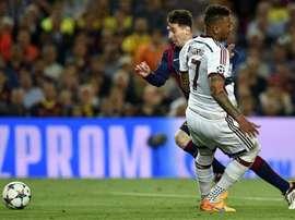 Boateng sobre drible de Messi que o deixou no chão: 'queria ver vocês contra ele'. Goal