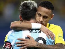 2017-10-08-messi-neymar. Goal