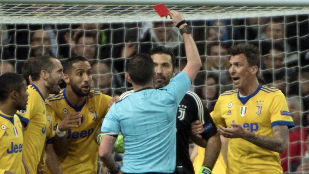 Buffon allume l'arbitre, Benatia parle d'un