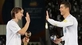 Cristiano Ronaldo a bien félicité Luka Modric en 2018. Goal