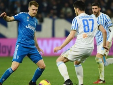 Aaron Ramsey (L) was happy with Juventus' formation at SPAL. GOAL
