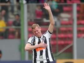 Adilson recebe homenagem em Atlético x Fortaleza. Goal
