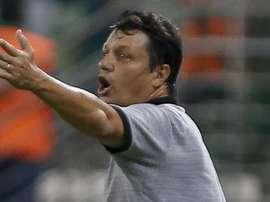 Adilson dá razão a Ceni no Cruzeiro