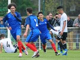 Adli, le joueur du PSG II, avec l'Équipe de France U17. AFP