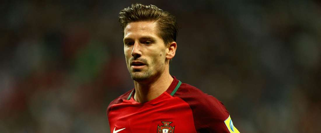 Shakespeare remains positive over Adrien Silva's protracted transfer. GOAL