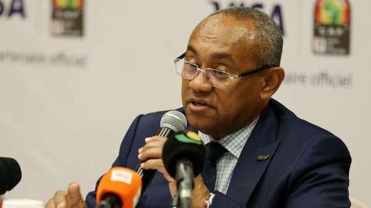 Ahmad Ahmad accuse le président de l'Espérance de Tunis de l'avoir menacé. Goal