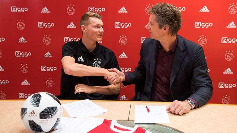 L'Ajax tient sa nouvelle recrue. Goal