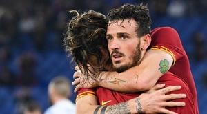 Florenzi abbracciato dai compagni. Goal