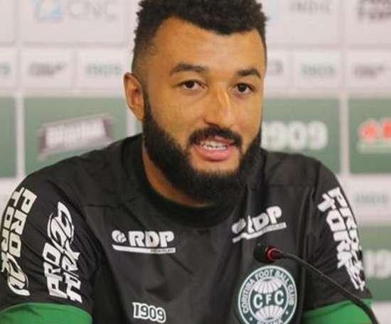Alex Muralha foi apresentado no Coritiba. Goal