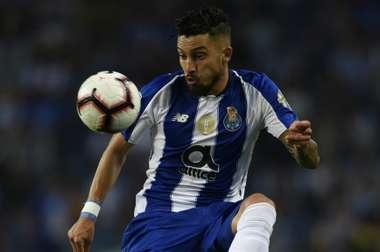 Alex Telles fará a sua estreia pela Canarinha este sábado no Estádio do Dragão. Goal