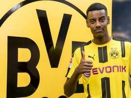 Borussia Dortmund assina com Alexander Isak. Goal