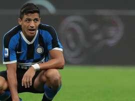 Inter, Sanchez come Ibrahimovic: danneggiata la sua statua in Cile