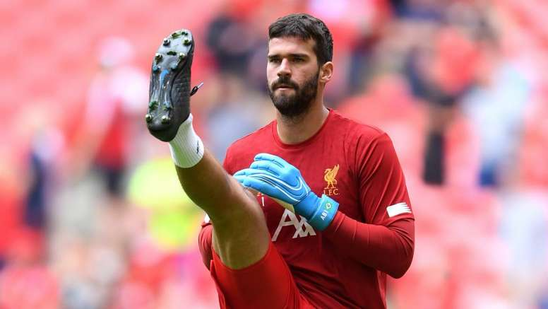 My calves are fine! – The 'other' Alison Becker teases Liverpool fans with injury update
