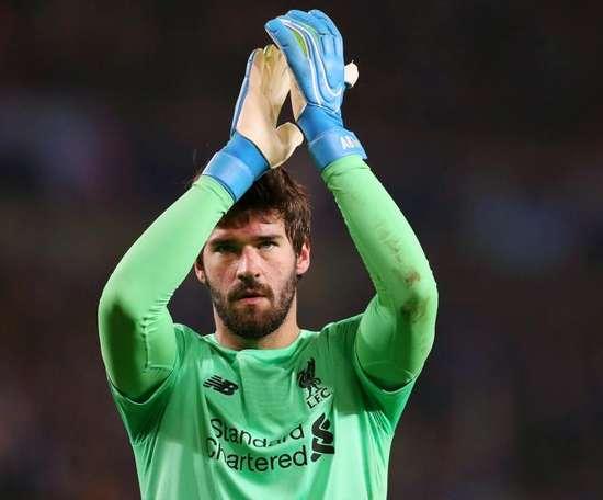 Leno nomme Alisson meilleur gardien de la Premier League. Goal