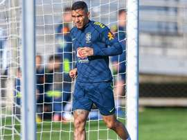 Allan to start for Brazil against Paraguay. Goal