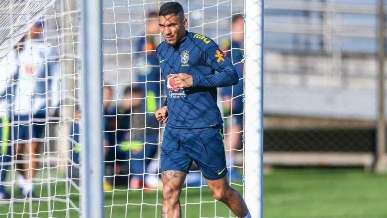 Allan to start for Brazil against Paraguay. Goal