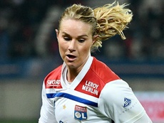 Bouhaddi et Henry candidates pour le Ballon d'Or féminin. Goal