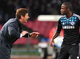 Villas-Boas gives instructions to Ramires while at Chelsea. Goal