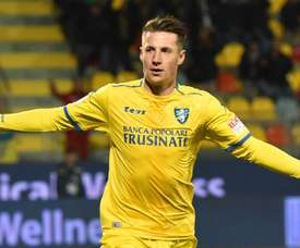 Andrea Pinamonti has completed a move to Genoa. GOAL