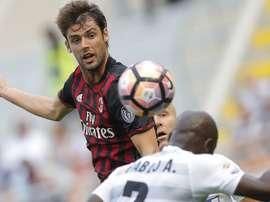 Poli quitte l'AC Milan pour Bologne. GOAL