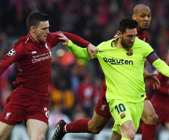 Lateral do Liverpool relembra duelo histórico contra o Barça. EFE