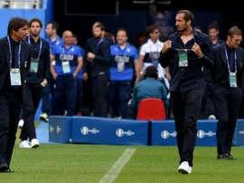 Antonio Conte and Giorgio Chiellini together during the 2016 Euros. GOAL