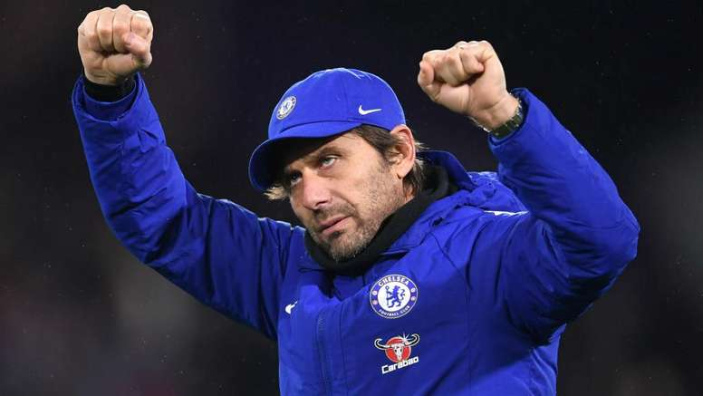 'Committed' Conte will not walk out on Chelsea