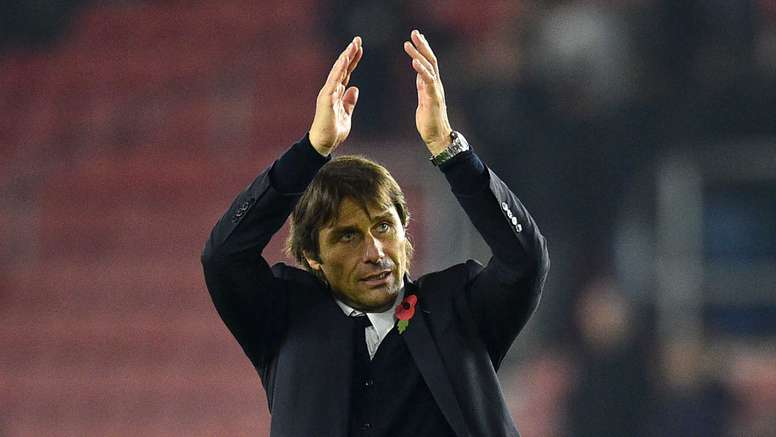 Antonio Conte's Chelsea have won nine games in a row. Goal