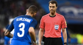 L'arbitre de la FIFA lors d'un match amical entre la France et l'Espagne. AFP
