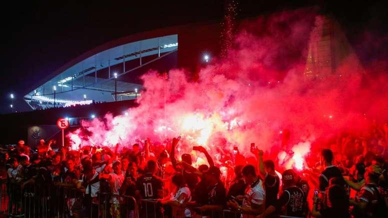 Escalações confirmadas de Corinthians e Grêmio. Goal