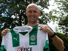 Arjen Robben sort de sa retraite et signe à Groningen. GOAL