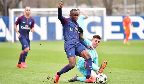 Arnaud Luzayadio va signer stagiaire pro au PSG - BeSoccer