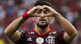 Dinheiro de Arrascaeta pode ajudar Cruzeiro. EFE