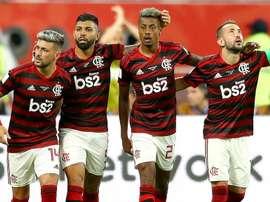 Benfica planeja última investida por Gerson e Bruno Henrique. EFE