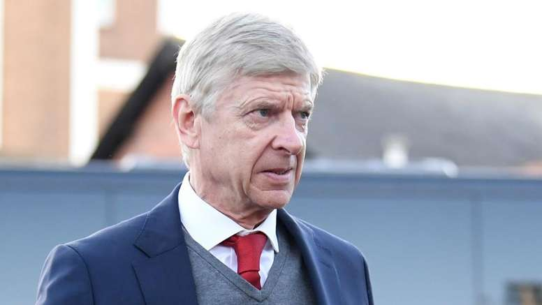 Wenger still riled by Hazard penalty award