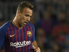 Barcelona: Arthur vê disputa saudável com Vidal e brinca com atrasos de Dembélé