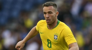 Arthur should be available for Brazil's clash with Venezuela. GOAL
