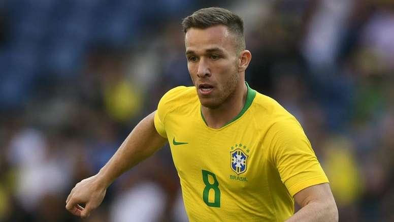 Arthur should be available for Brazil's clash with Venezuela. GOAL
