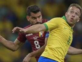 Ainda 'zerado' na seleção, Arthur sonha com gol em volta à Arena