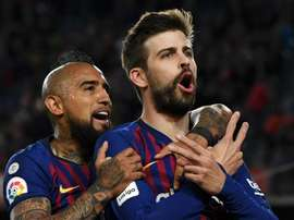 Vidal and Pique came in the top 5 at a poker tournament. GOAL