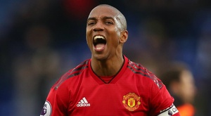 Young dit que Manchester United sera prêt. Goal
