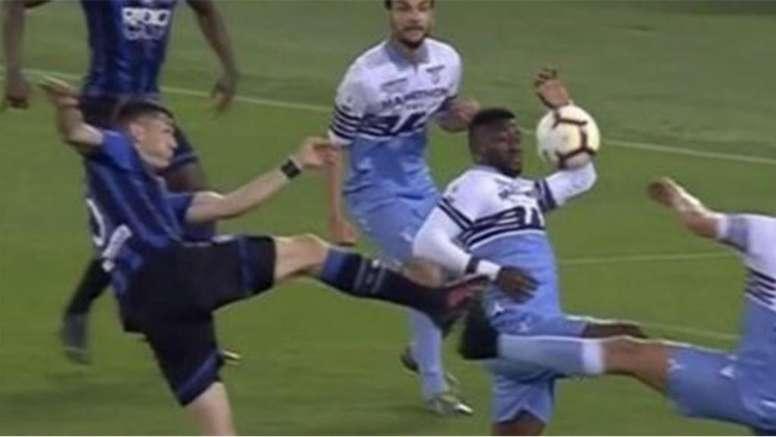 Nicchi parla del fallo di mano di Bastos. Goal