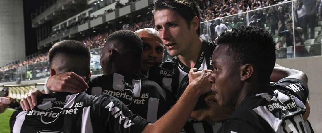 Atlético-MG 3x1 Atlético-PR: Galo leva a melhor e sobe na tabela do Brasileirão