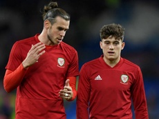 Daniel James (R) is not interested in comparisons with Gareth Bale. GOAL